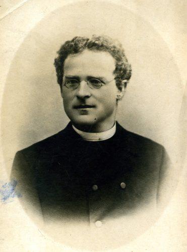 20 Priester, Fotograf Weidauer Deggendorf