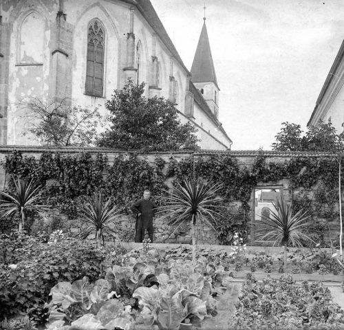 31-klostergarten-u-kirche