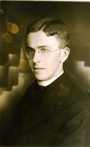18 Priester 1930