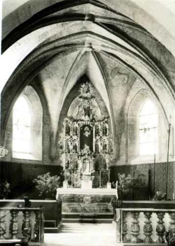 8 Inneres einer Kirche
